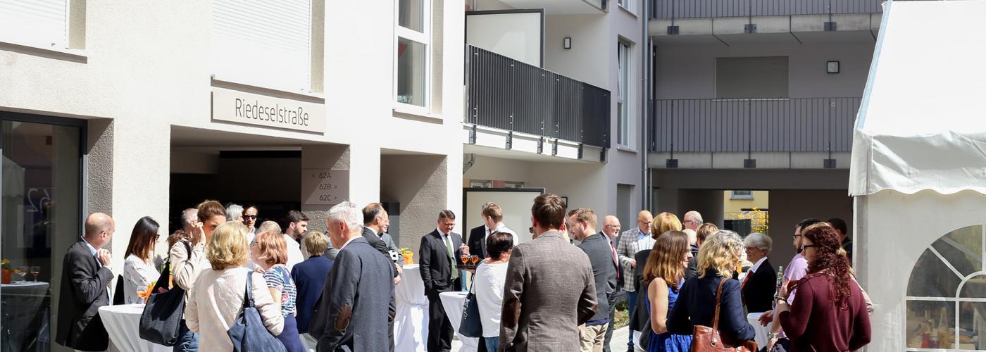 Einweihung am 16.4.2018: Mit Förderung des Landes Hessen schafft das Studierendenwerk Darmstadt 295 Apartments für Studierende.